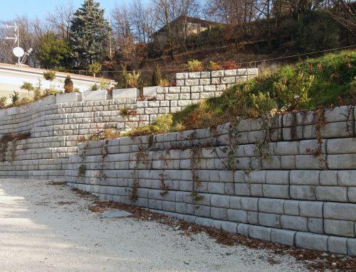 Muri di contenimento in villa privata a Brescia
