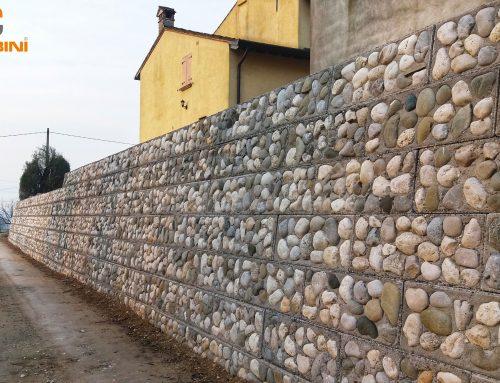 Muro di controripa in campagna